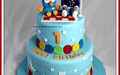Giggle-and-Hoot-cake-2-tier