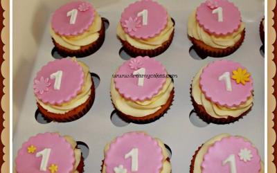 first-birthday-cupcakes