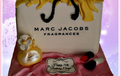 marc-jacobs-daisy-cake
