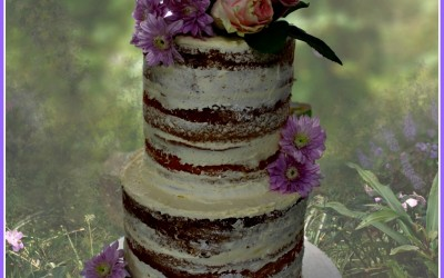 Naked cake 2 tier with flowers