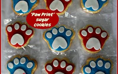paw print dog cookies